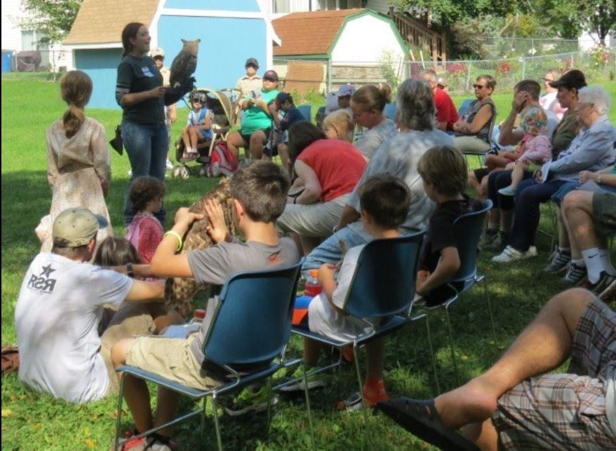 The UofM Raptor Center Visits Preserve on Prairie Days 2016
